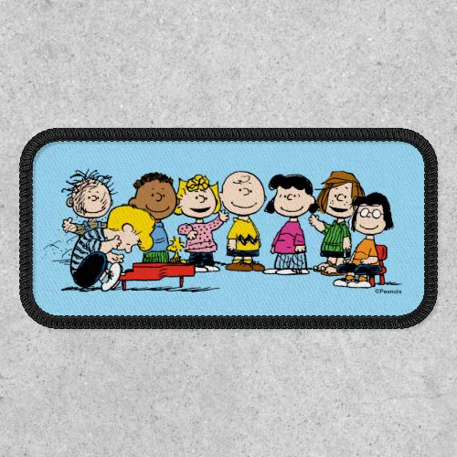 Peanuts | The Gang Around the Piano Patch